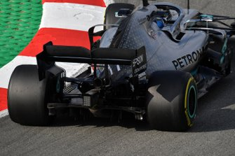 Valtteri Bottas, Mercedes-AMG F1 W10 EQ Power+, dettaglio posteriore