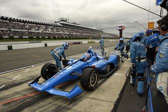 Ed Jones, Chip Ganassi Racing Honda pit stop