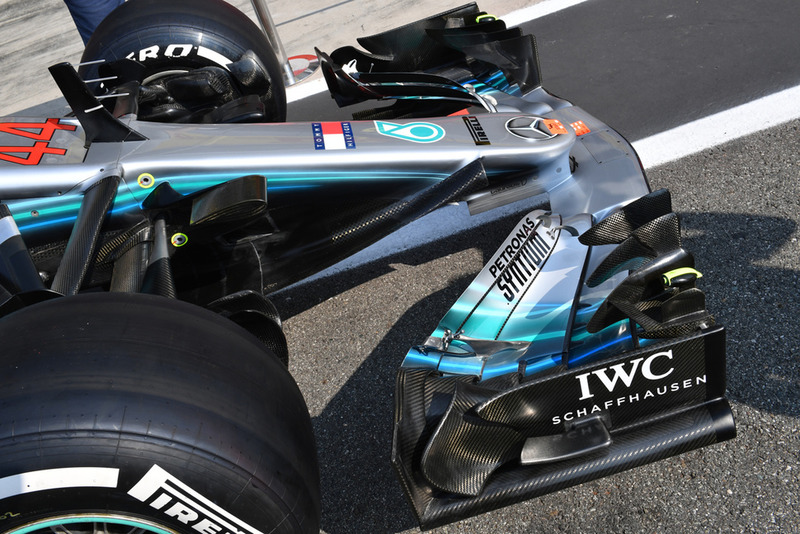 Mercedes AMG F1 W09 nose and front wing detail