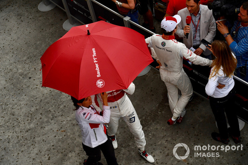 Marcus Ericsson, Sauber et Charles Leclerc, Sauber parlent aux médias