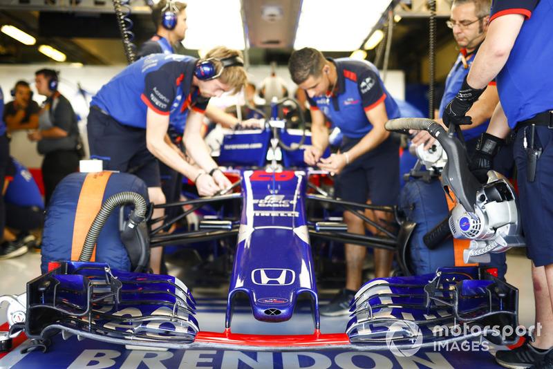 Механіки, Брендон Хартлі, Toro Rosso STR13