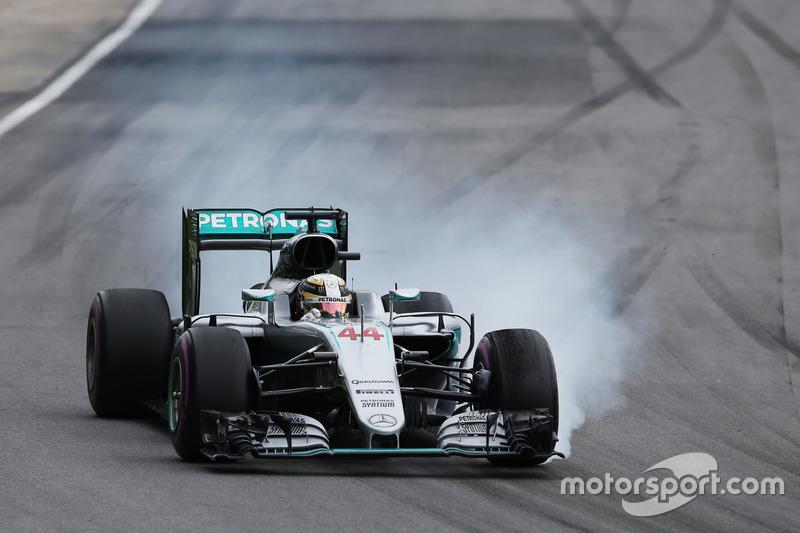Льюїс Хемілтон, Mercedes AMG F1 W07 Hybrid, блокування при гальмуванні