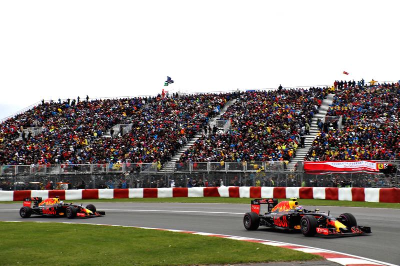 Макс Ферстаппен, Red Bull Racing RB12 випереджає Даніеля Ріккардо, Red Bull Racing RB12