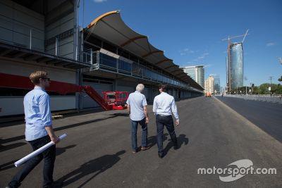Inspeção final no circuito de Baku