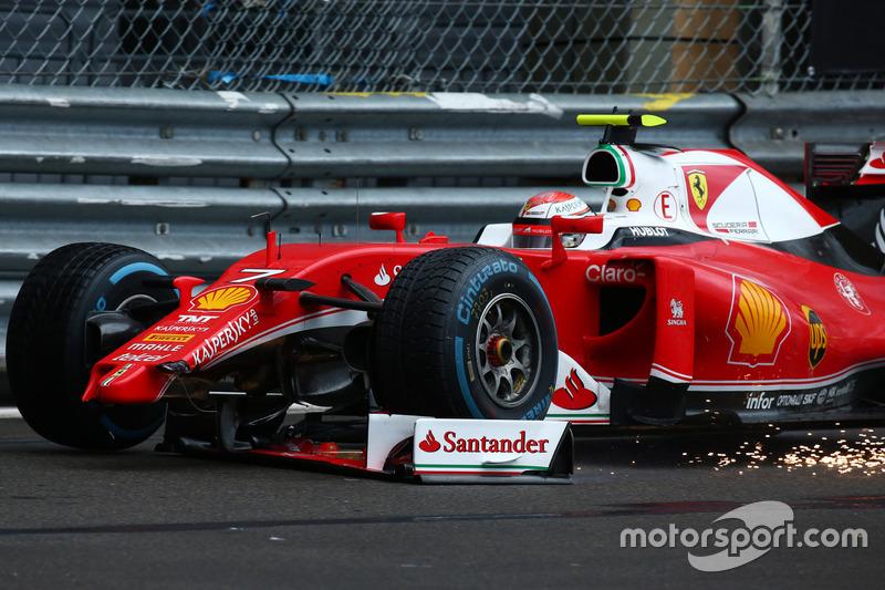 Kimi Raikkonen, Scuderia Ferrari SF16-H perde la sua ala anteriore
