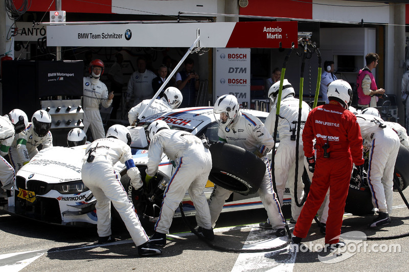 Pit stop Martin Tomczyk, BMW Team Schnitzer, BMW M4 DTM