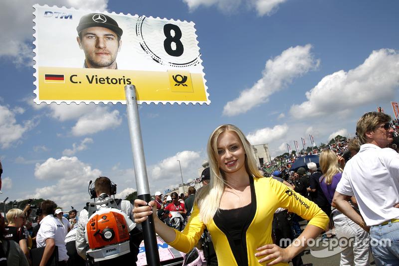 La grid girl di Christian Vietoris, Mercedes-AMG Team Mücke, Mercedes-AMG C63 DTM