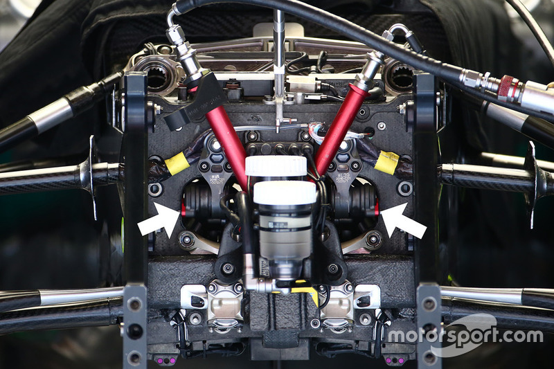 Mercedes AMG F1 Team W07 suspension detail