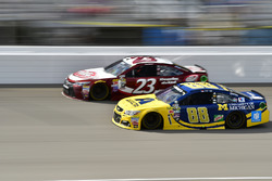 Alex Bowman, Hendrick Motorsports Chevrolet, David Ragan, BK Racing Toyota