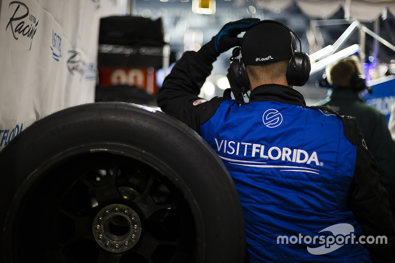 #90 VisitFlorida.com Racing Multimatic Riley LMP2: Marc Goossens, Renger van der Zande, René Rast te