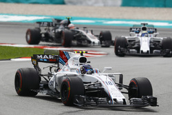 Lance Stroll, Williams FW40, Felipe Massa, Williams FW40, Kevin Magnussen, Haas F1 Team VF-17