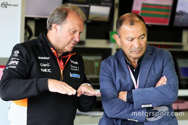 Robert Fernley, Sahara Force India F1 subdirector del equipo y Eddie Jones, entrenador del England Rugby Union Team