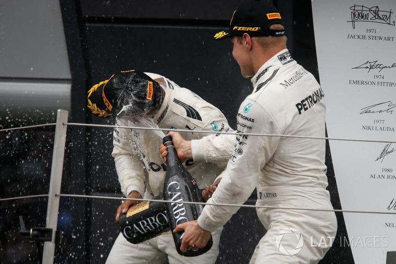 1. Lewis Hamilton, Mercedes AMG F1, und 2. Valterri Bottas, Mercedes AMG F1