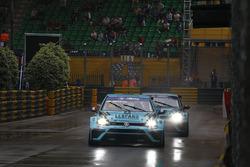 Jean-Karl Vernay e Stefano Comini, VW Golf GTI TCR