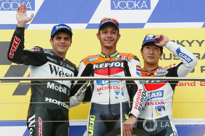 2002: 1. Valentino Rossi, 2. Alex Barros, 3. Tohru Ukawa
