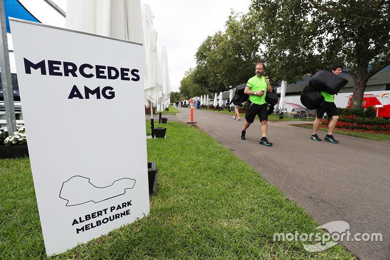 Atmosphäre im Fahrerlager in Melbourne