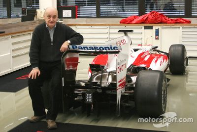 Zoran Stefanovic zu Besuch bei Toyota F1