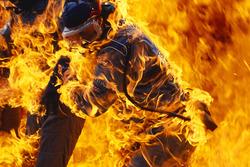 Incendie lors de l'arrêt au stand de Jos Verstappen, Benetton B194 Ford