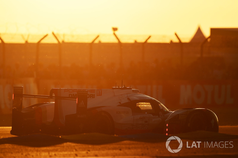 #1 Porsche Team Porsche 919 Hybrid: Нил Джани, Андре Лоттерер, Ник Тэнди