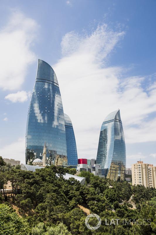 Blick auf die Flame-Towers