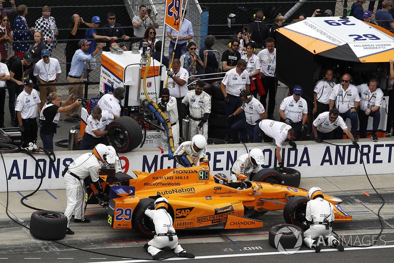 Фернандо Алонсо, McLaren-Honda-Andretti Honda, піт-стоп