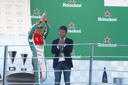 Podio: ganador Luca Ghiotto, RUSSIAN TIME