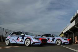 Autos fü Gabriele Tarquini, Hyundai i30 N TCR, und Alain Menu, Hyundai i30 N TCR
