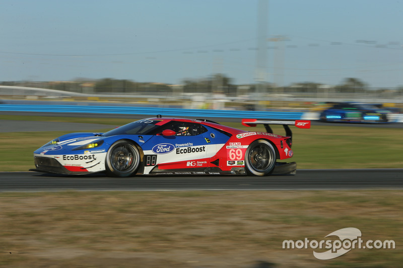 #69 Chip Ganassi Racing Ford GT: Andy Priaulx