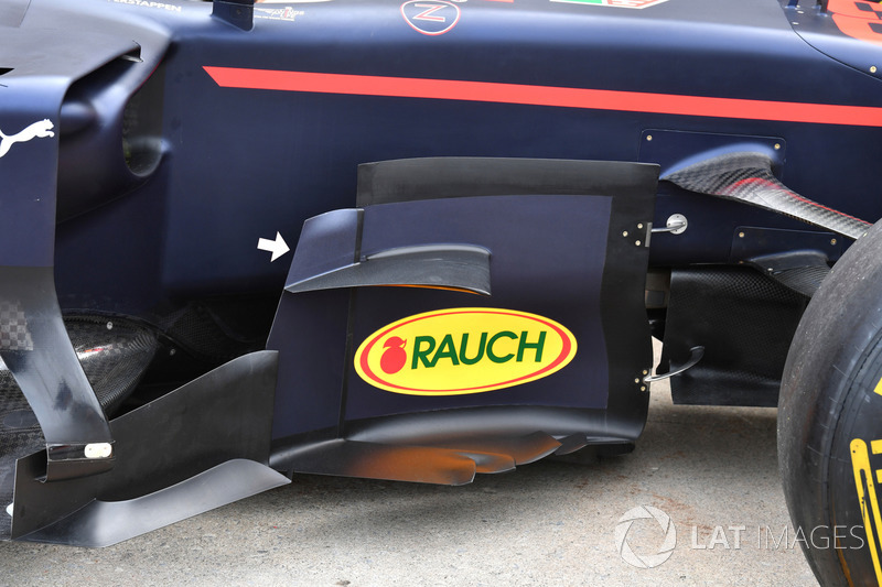 Red Bull Racing RB13, вид сбоку
