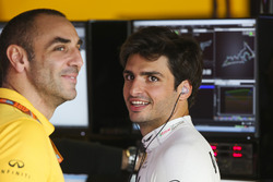 Керівник Renault Sport F1 Team Сіріль Абітбуль, Карлос Сайнс-мол., Renault Sport F1 Team