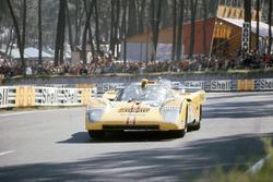 #15 Ferrari 512M: Nino Vaccarella, Jose Juncadella
