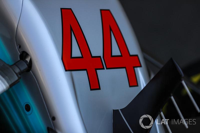 Detalhe do bico da Mercedes de Lewis Hamilton