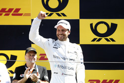 Podio: el ganador de la carrera Gary Paffett, Mercedes-AMG Team HWA