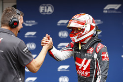 Kevin Magnussen, Haas F1 Team, celebrates after qualifying with a team member