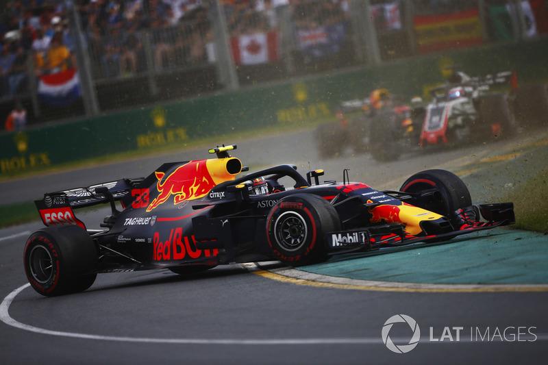 Max Verstappen, Red Bull Racing RB14 Tag Heuer, melintir