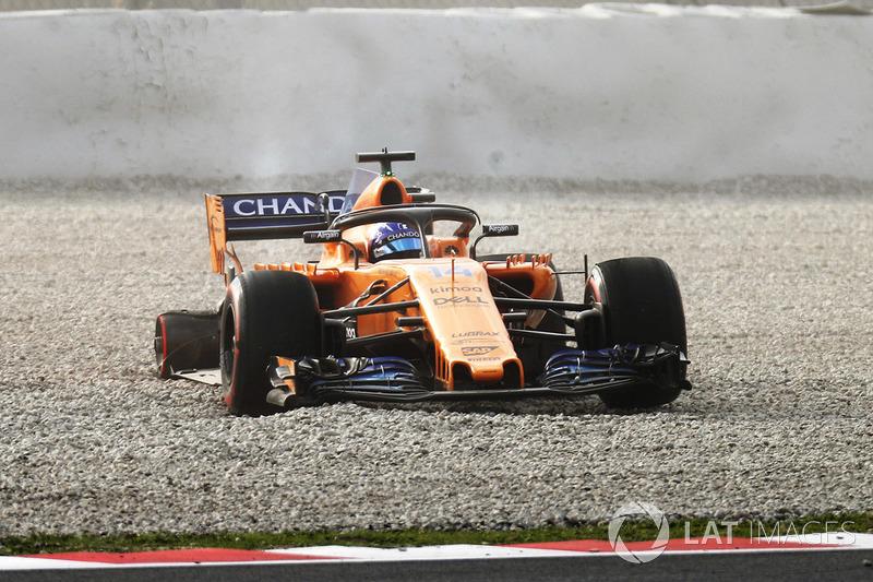 Sortie de piste pour Fernando Alonso, McLaren MCL33