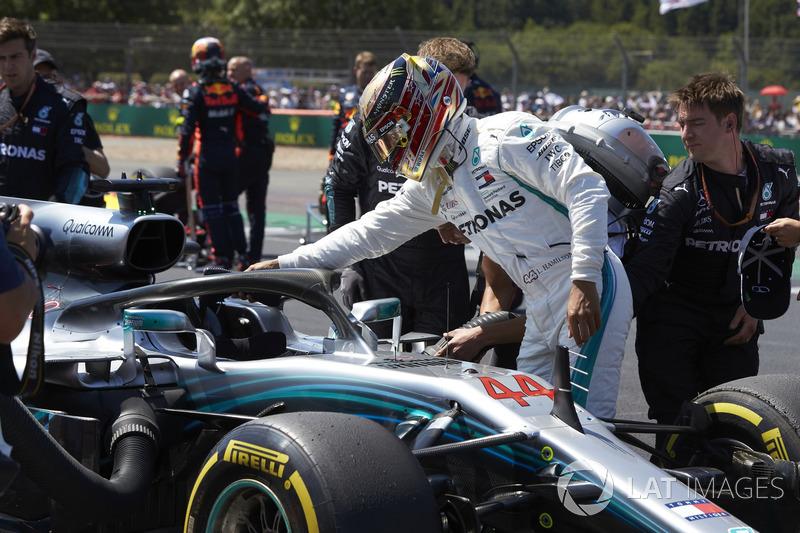 Lewis Hamilton, Mercedes AMG F1 W09, on the grid