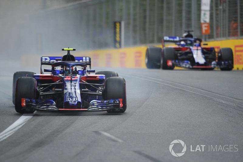 17: Pierre Gasly, Scuderia Toro Rosso STR13, 1'44.496
