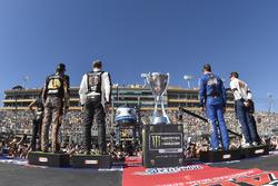 Martin Truex Jr., Furniture Row Racing Toyota, Kevin Harvick, Stewart-Haas Racing Ford, Kyle Busch, Joe Gibbs Racing Toyota, Brad Keselowski, Team Penske Ford