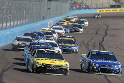 Daniel Suarez, Joe Gibbs Racing Toyota Jimmie Johnson, Hendrick Motorsports Chevrolet