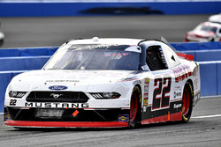 Joey Logano, Team Penske, Ford Mustang Discount Tire pits