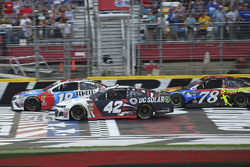 Kyle Busch, Joe Gibbs Racing, Toyota Camry M&M's Red White & Blue, Kyle Larson, Chip Ganassi Racing,