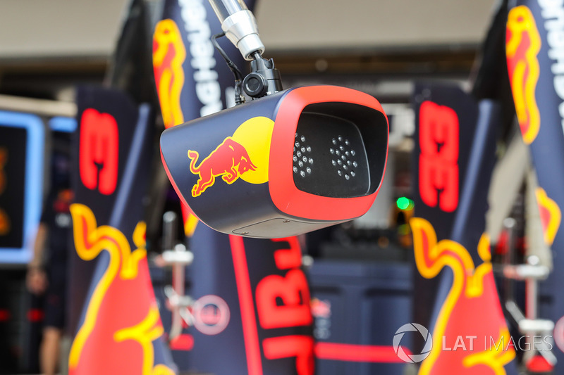 Red Bull Racing pit stop light