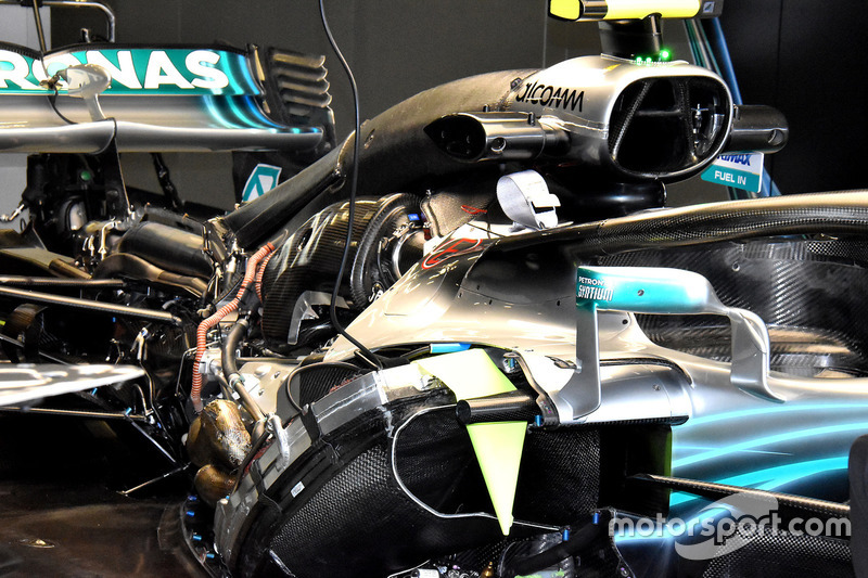 Mercedes AMG F1 W09, hajtáslánc