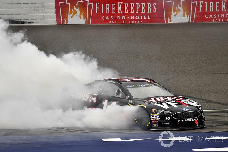 Clint Bowyer, Stewart-Haas Racing, Chevrolet Camaro Haas 30 Years of the VF1 wins
