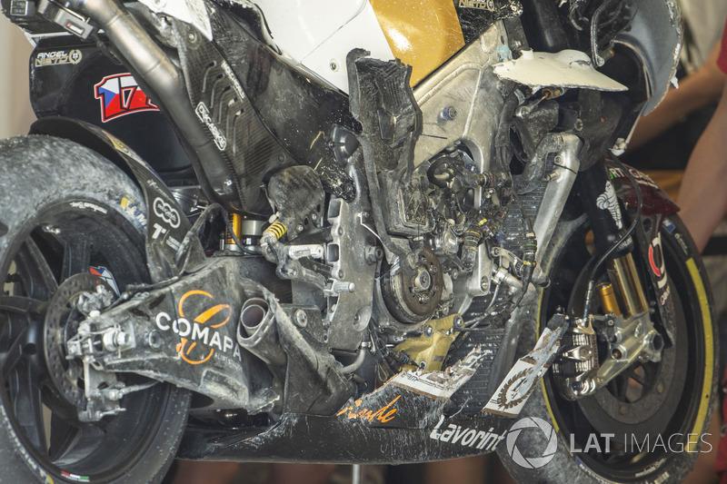 La moto incidentata di Karel Abraham, Angel Nieto Team