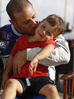 Tony Kanaan, Chip Ganassi Racing Honda and son Deco
