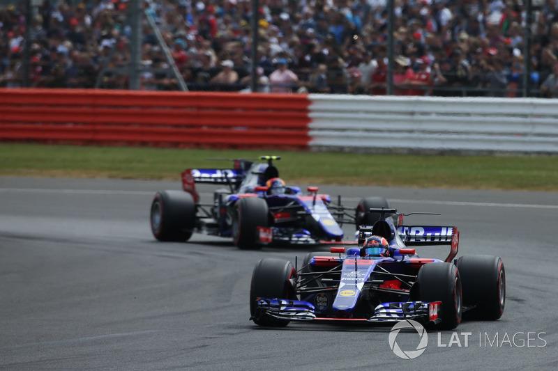 Daniil Kvyat y Carlos Sainz Jr., Scuderia Toro Rosso STR12