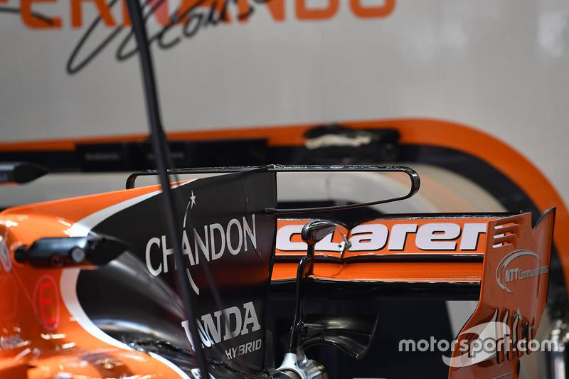 McLaren MCL32 rear wing detail