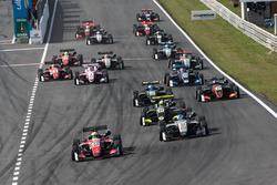 Partenza, Callum Ilott, Prema Powerteam, Dallara F317 - Mercedes-Benz